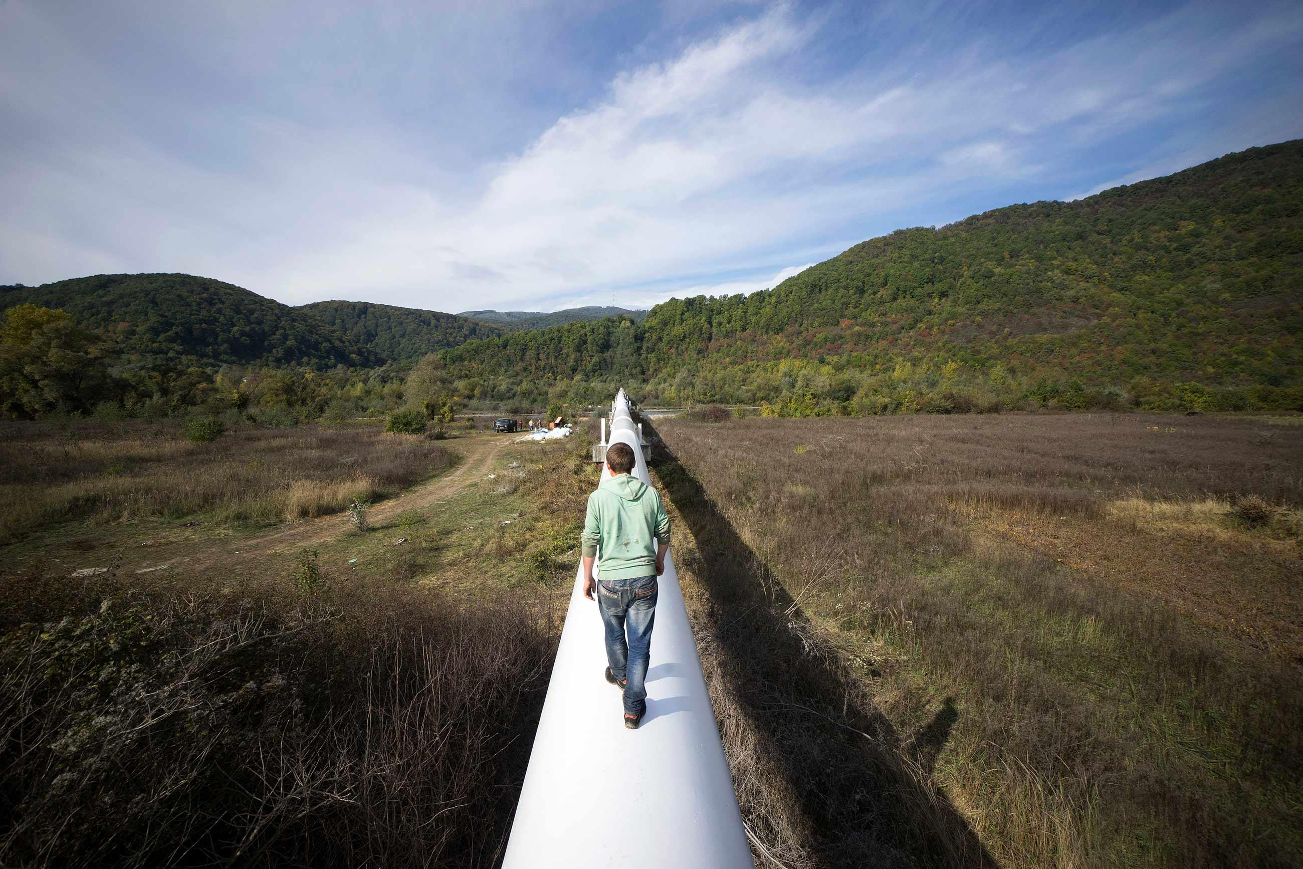 gettyimages 492793716 - <b>Росія та Угорщина підписали новий контракт на газ.</b> Це погана новина для України — і ось чому - Заборона