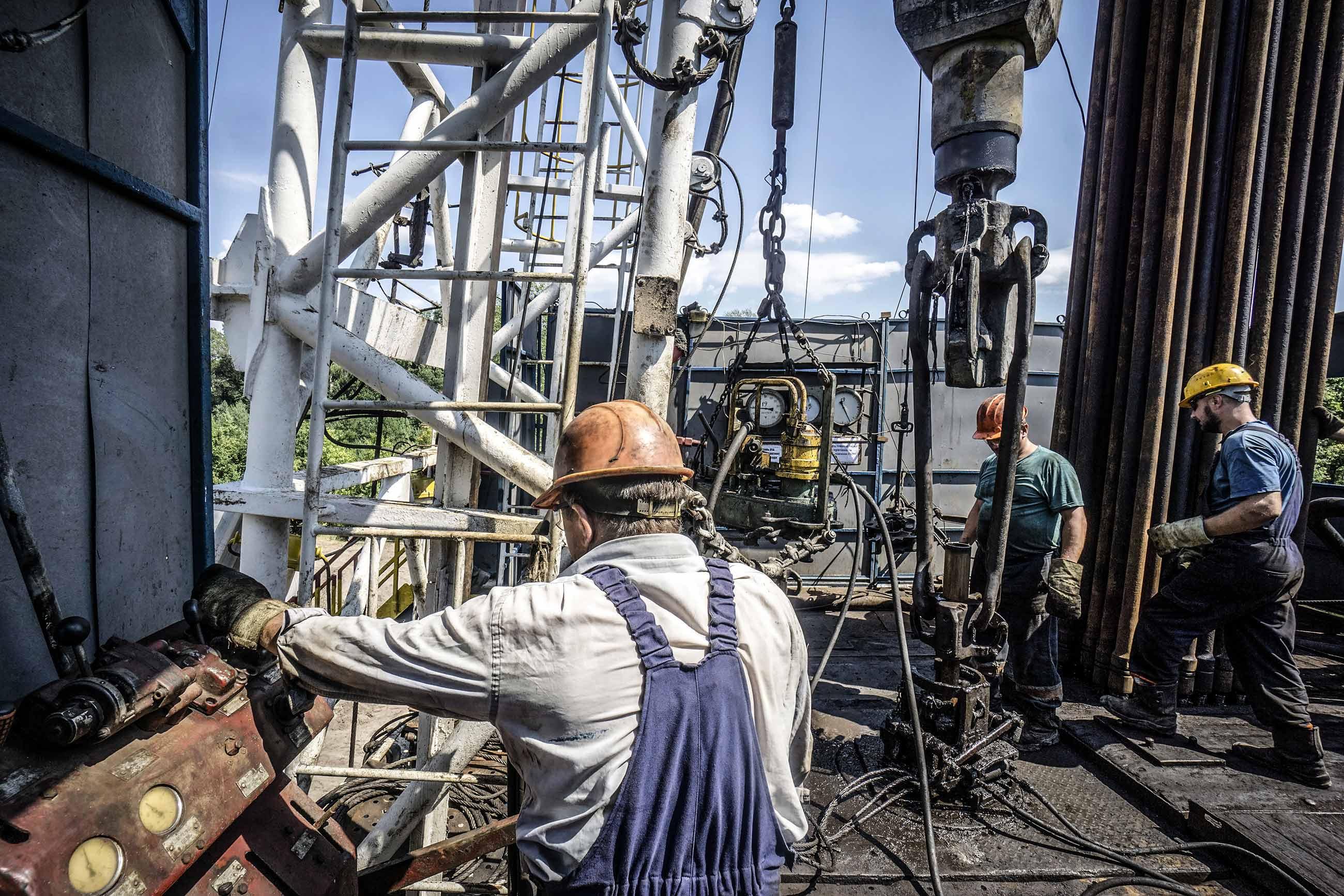 gettyimages 821523246 - <b>Росія та Угорщина підписали новий контракт на газ.</b> Це погана новина для України — і ось чому - Заборона