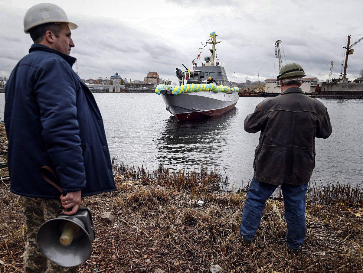 ukraine ship 02 - <b>Без крейсера «Україна», та з «Айлендами» і «москітами»:</b> що відбувається з українським військовим флотом? - Заборона